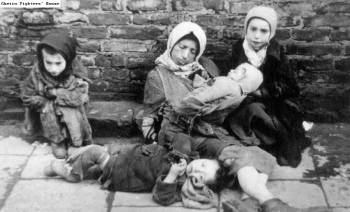 Help in a Hopeless World: Social Workers in the Warsaw Ghetto